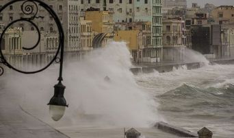 huracan-irma-malecon-la-habana